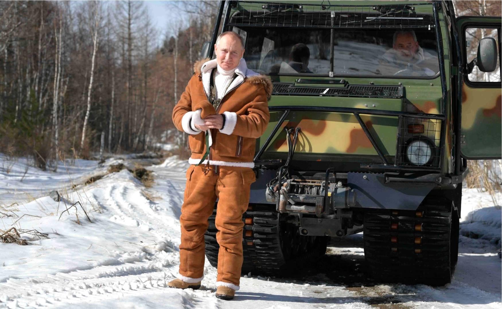 Владимир Путин в поездке в Сибирский федеральный округ
