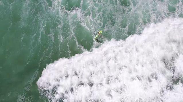Австралийцы использовали дрон для спасения утопающих
