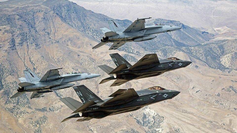 военных самолетов, полет, f-35