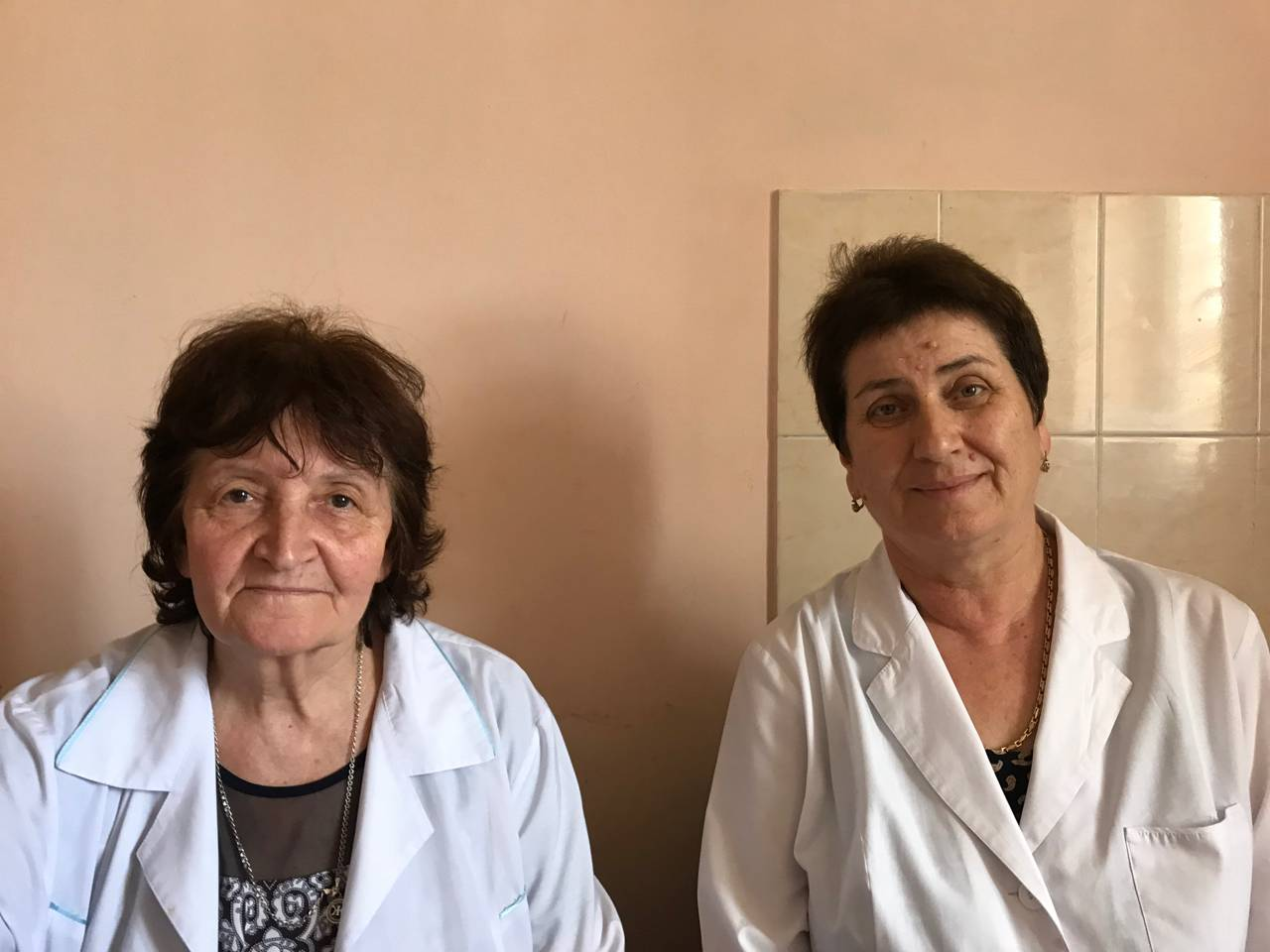 Медсестра цхинвальской «скорой» Жанна Котаева и врач Дуня Хасиева