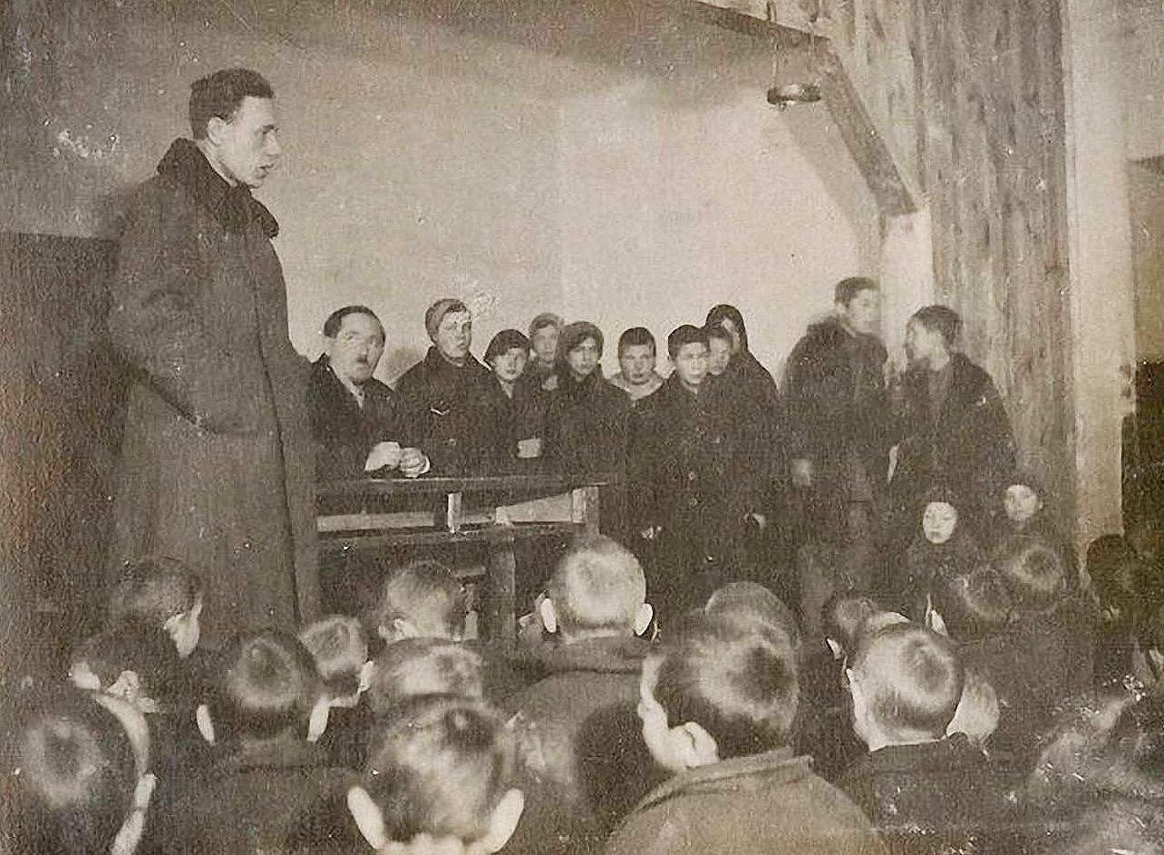 Макаренко с учениками