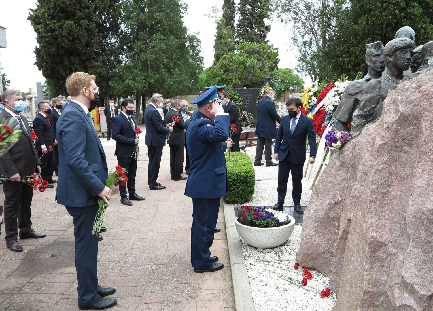 Акт в честь 76 годовщины Дня Победы на кладбище Фуэнкарраль в Мадриде 9 мая 2021г.