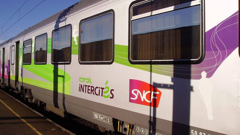 Забастовка железнодорожников остановит поезда воФранции