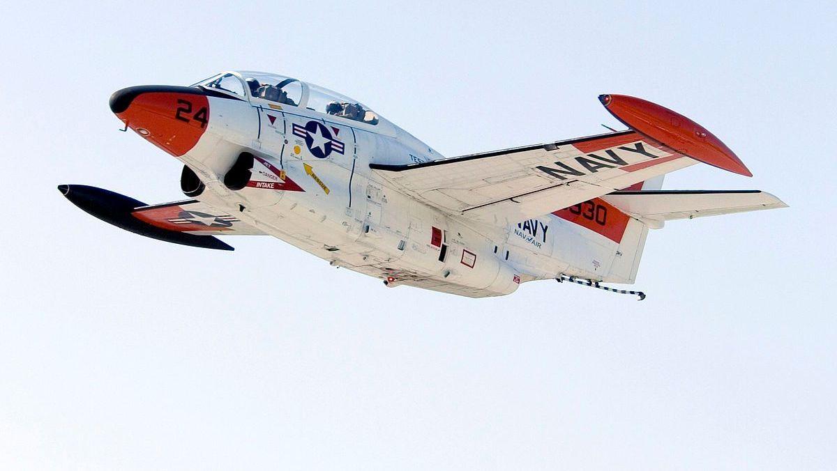 Учебно-тренировочный самолет T-2C Buckeye американских ВВС