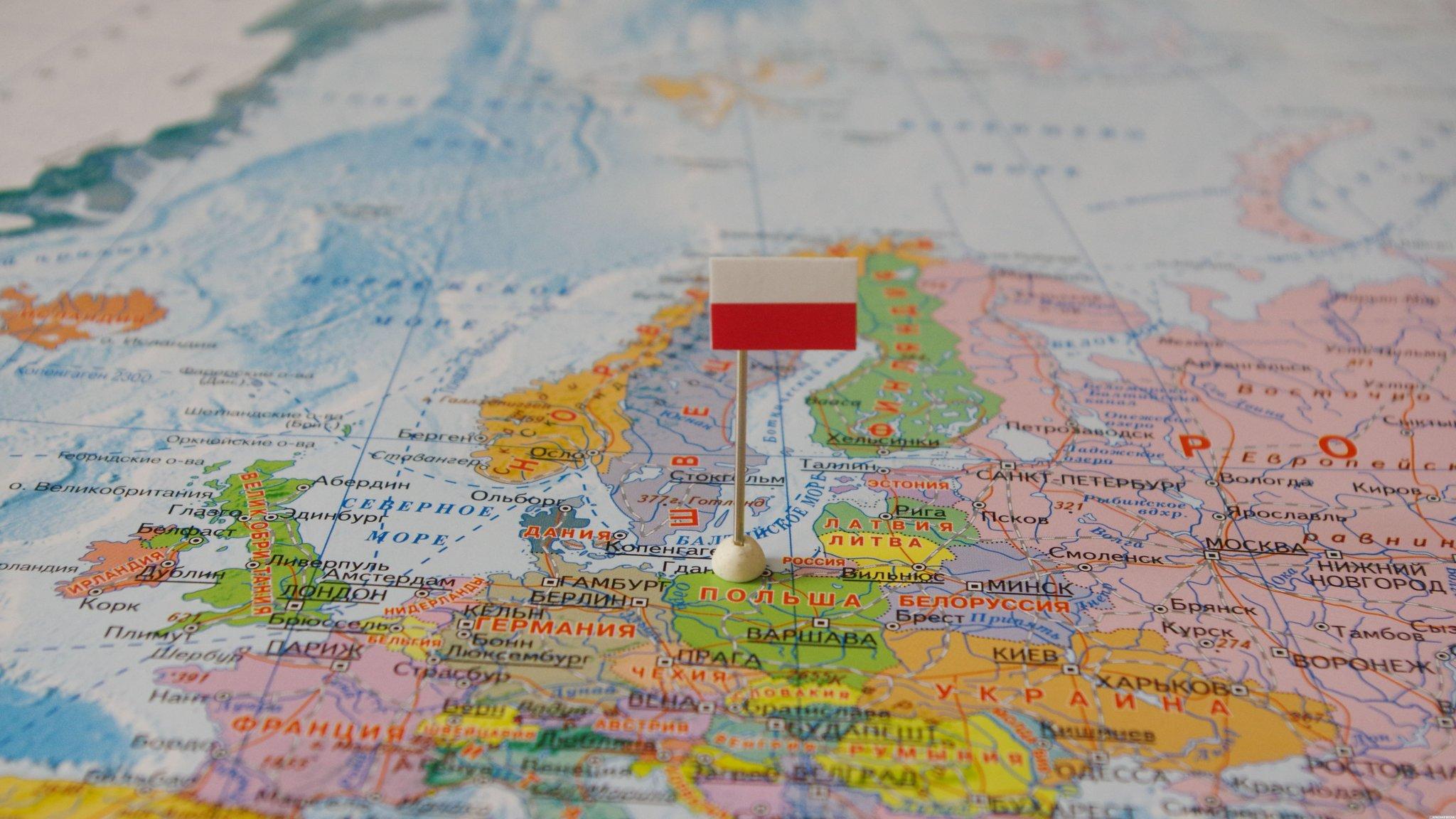 Польша может покинуть EC вслучае предотвращения снобжения деньгами