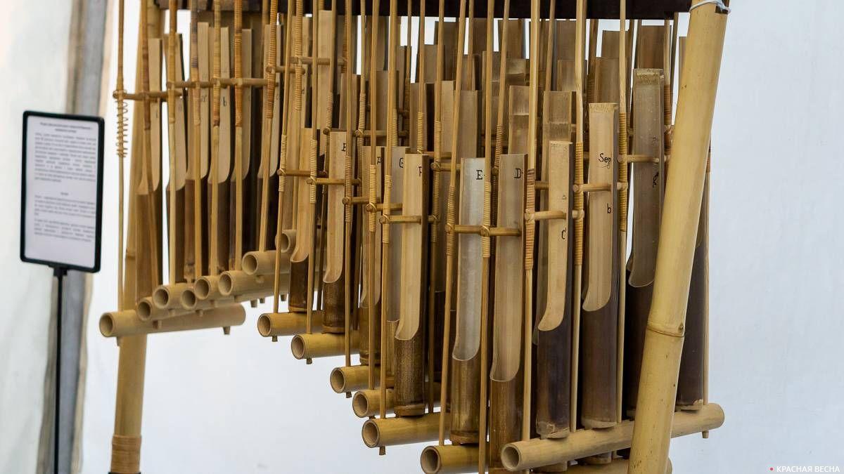 Ангклунг. Музыкальный инструмент