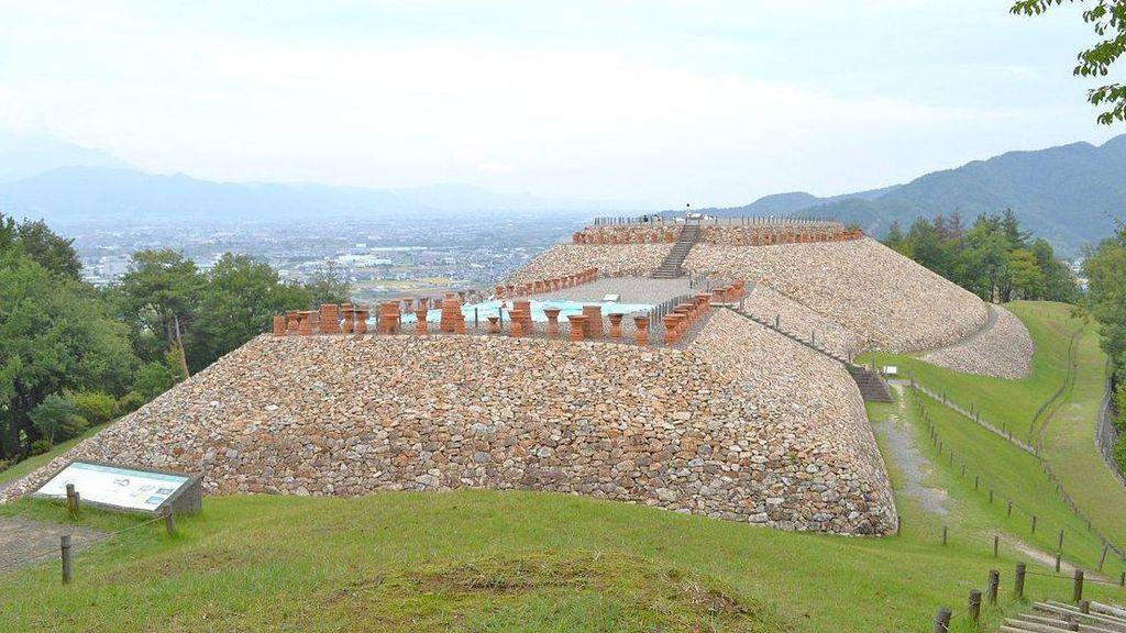 Гробница периода Кофун