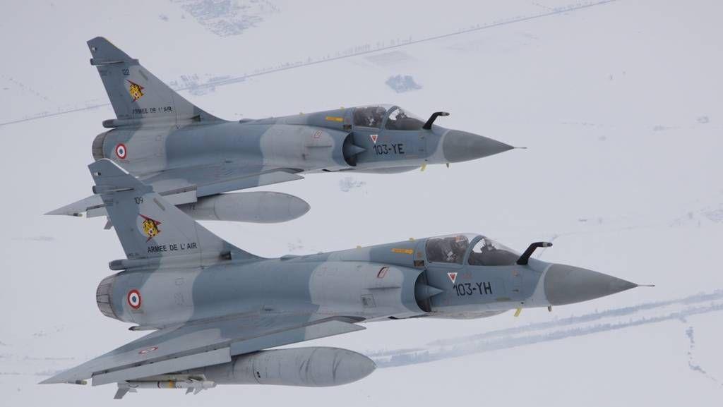 Французские Mirage 2000s в миссии патрулирования воздушного пространства над странами Балтии
