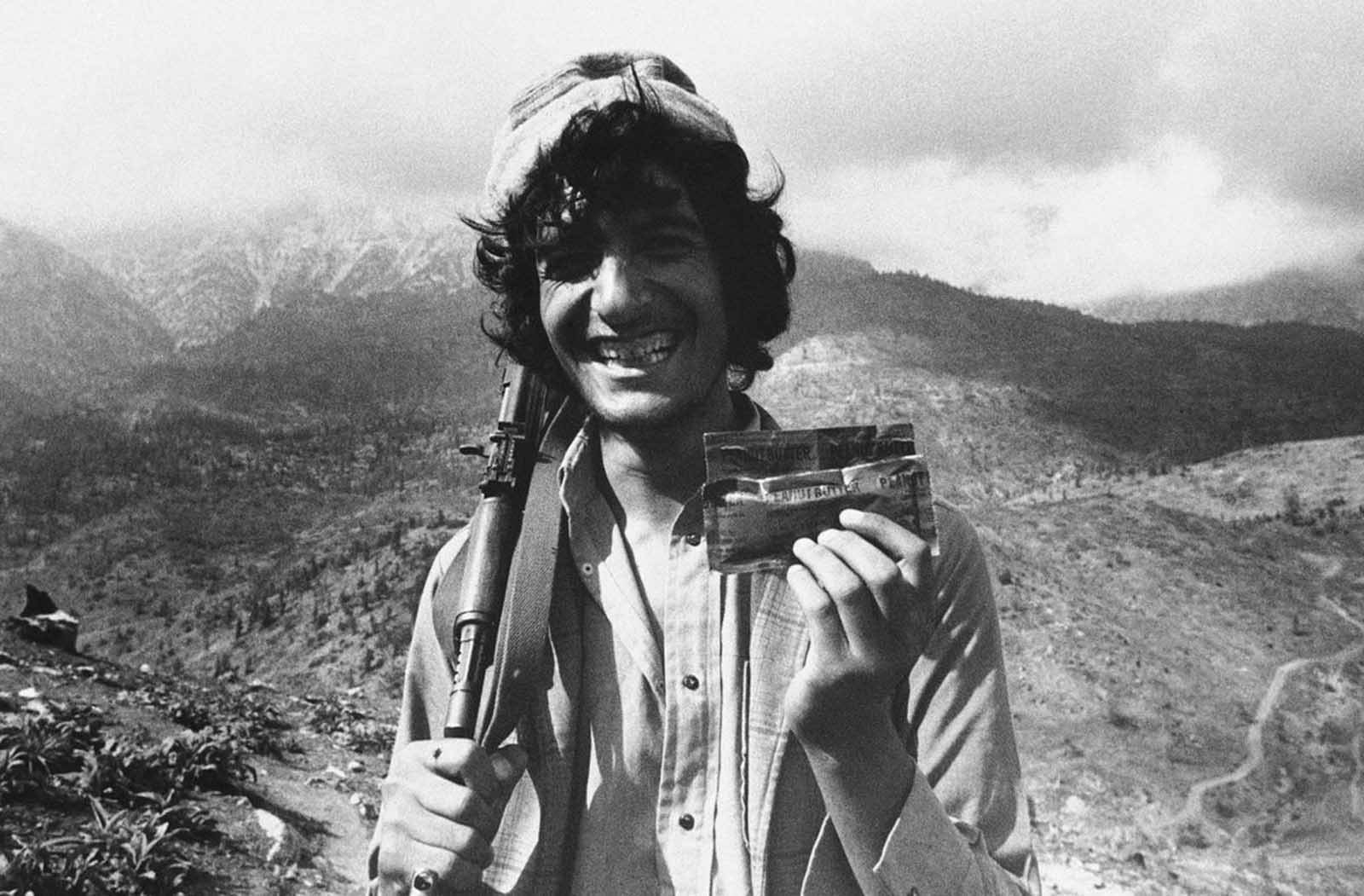Афганский моджахед и американское арахисовое масло. 1980-е