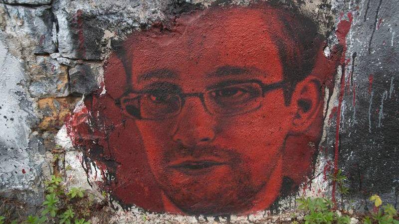 Эдвард Сноуден, Франция
