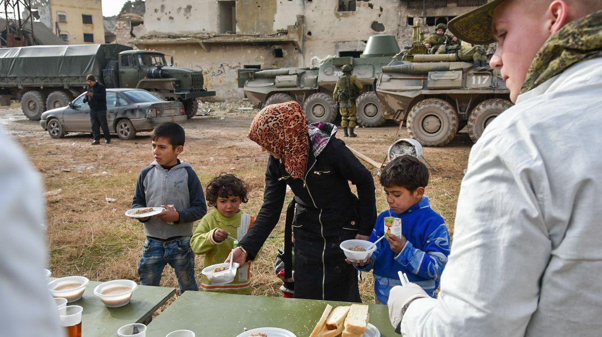 Сирийские беженцы обратились запомощью к столице России иДамаску