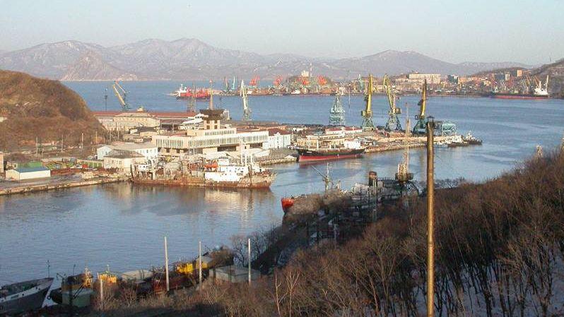 Вид на порт и бухту Находка