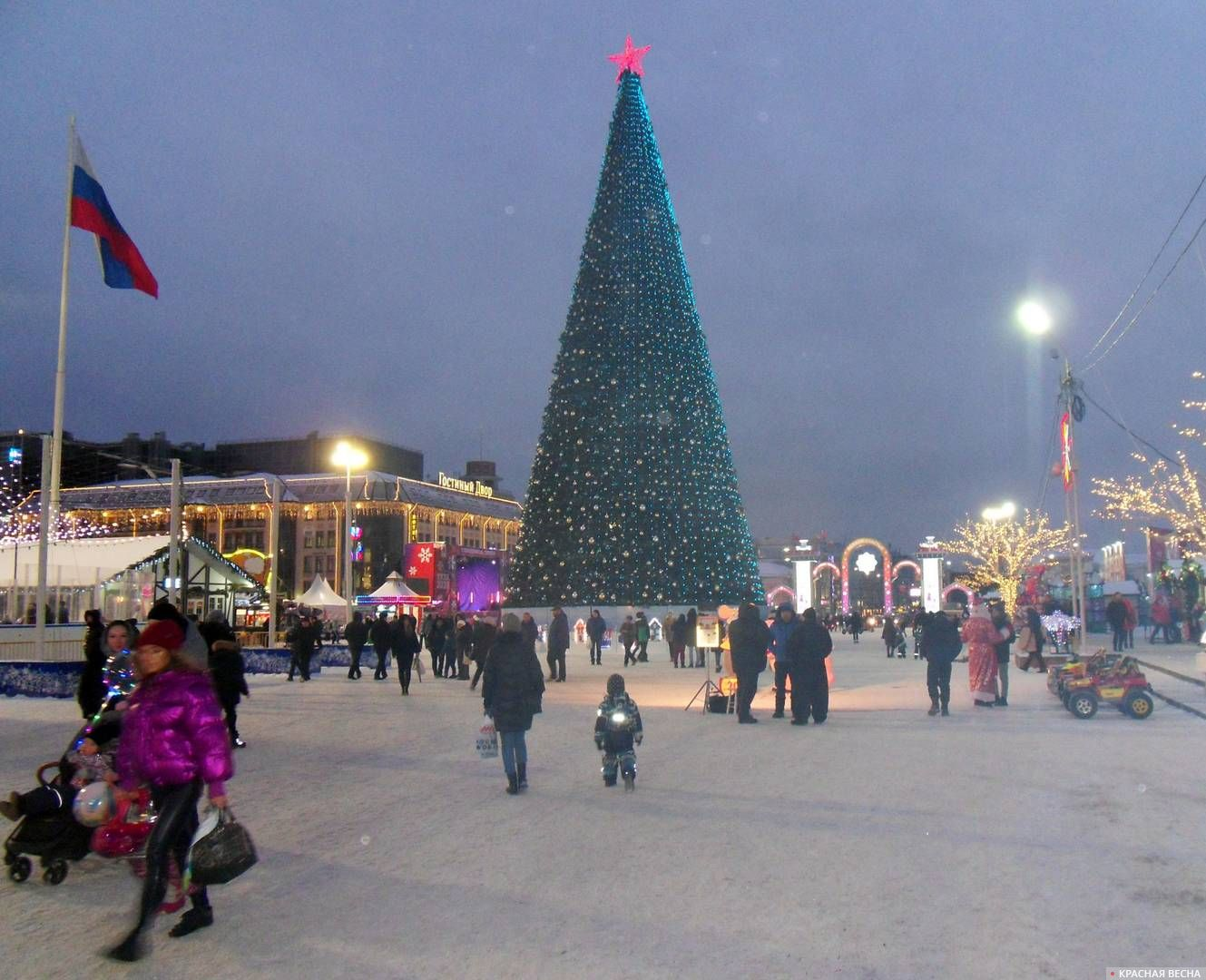 Главная ёлка Тулы на площади Ленина