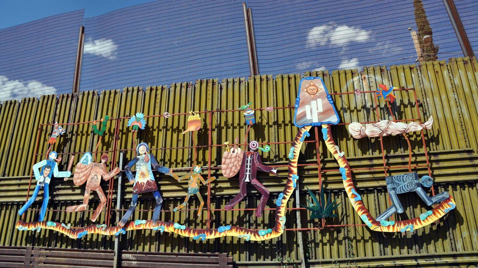 Пограничная стена США с Мексикой