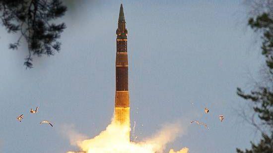 Испытательный пуск межконтинентальной баллистической ракеты РС-12М «Тополь»