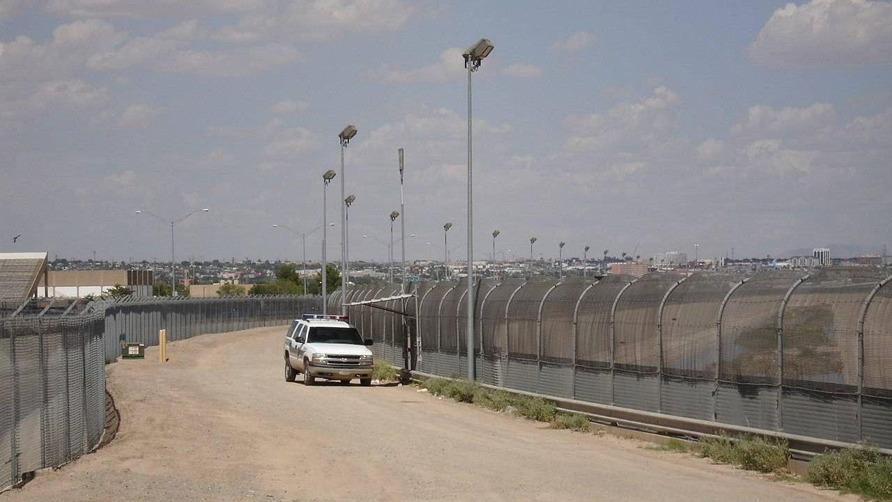 На границе с США