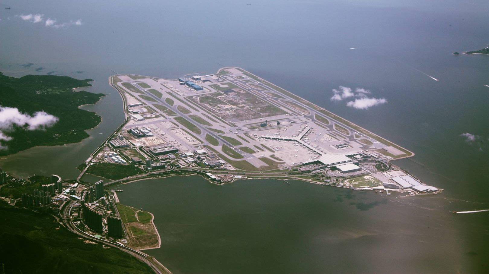 Аэпропорт Гонконга