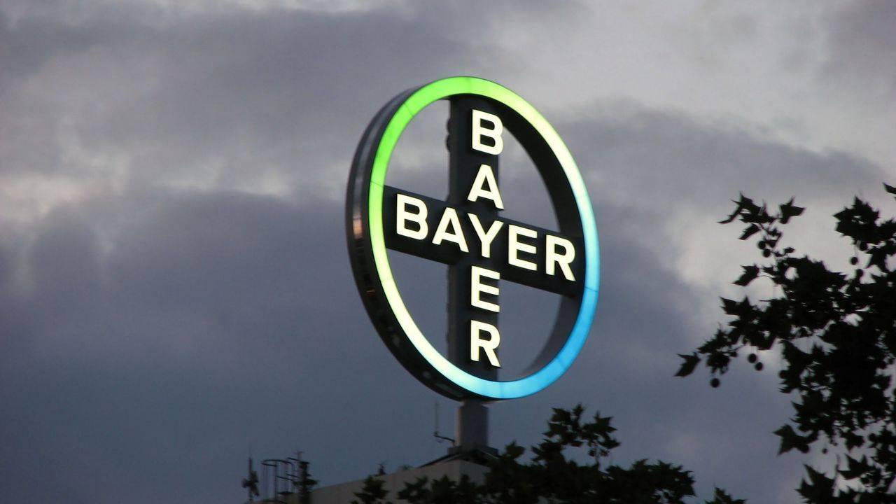 ЕКодобрила покупку Bayer компании Monsanto
