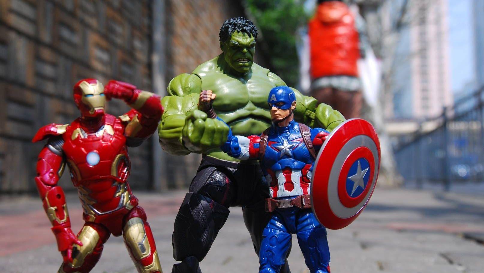 Фигурки героев киновселенной Marvel