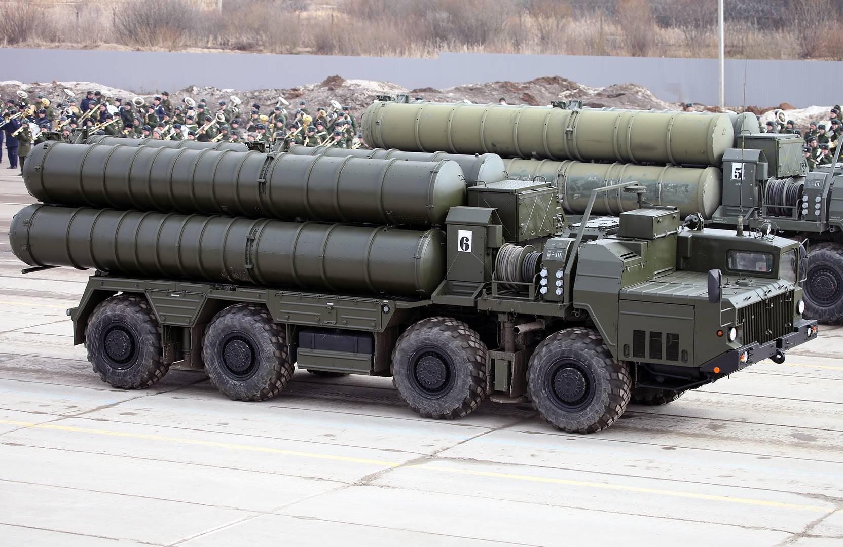 Пусковая установка 5П85СМ2-01 из состава ЗРС С-400 (Фото — Виталий Кузьмин)