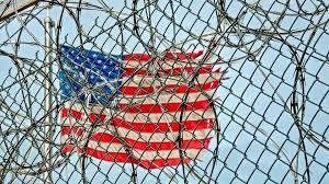 Верховный суд США ввел вдействие миграционный указ Трампа
