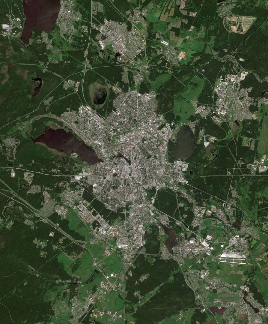 Город Екатеринбург и окрестности на космическом снимке со спутника Европейского космического агентства Sentinel-2
