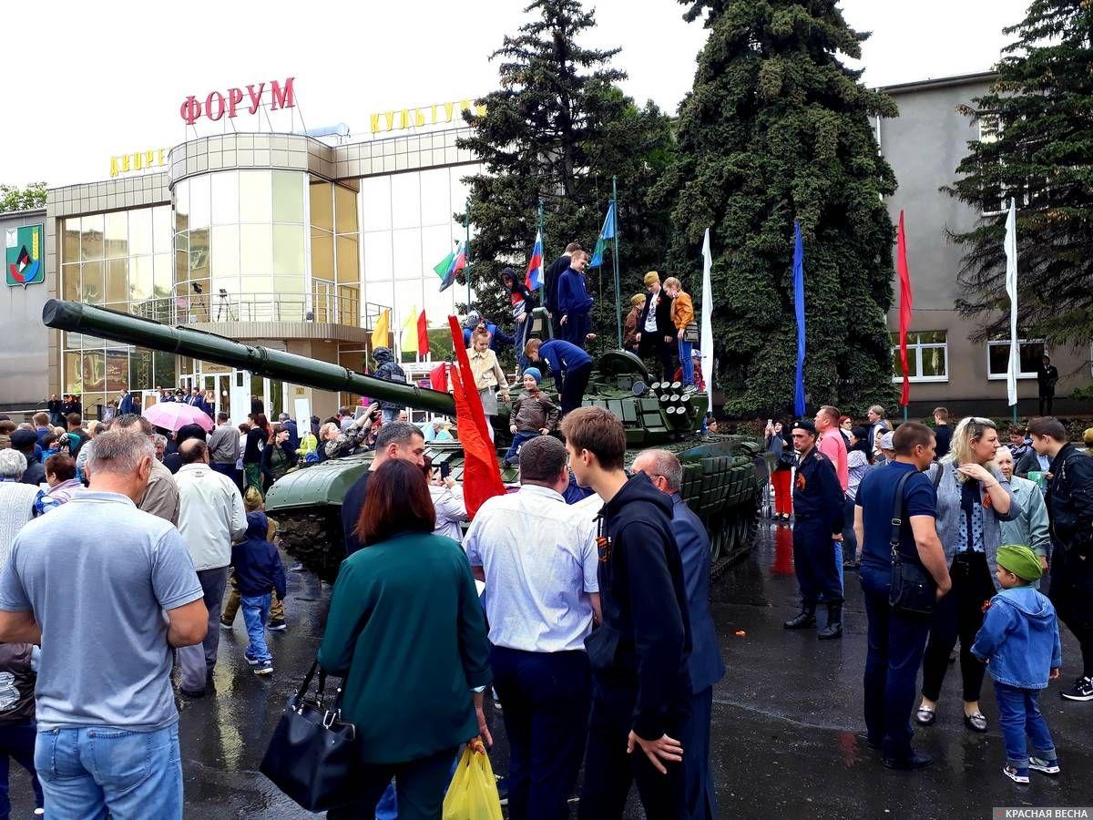 Выставка военной техники на площади им.Ленина.Губкин. 09.05.2019