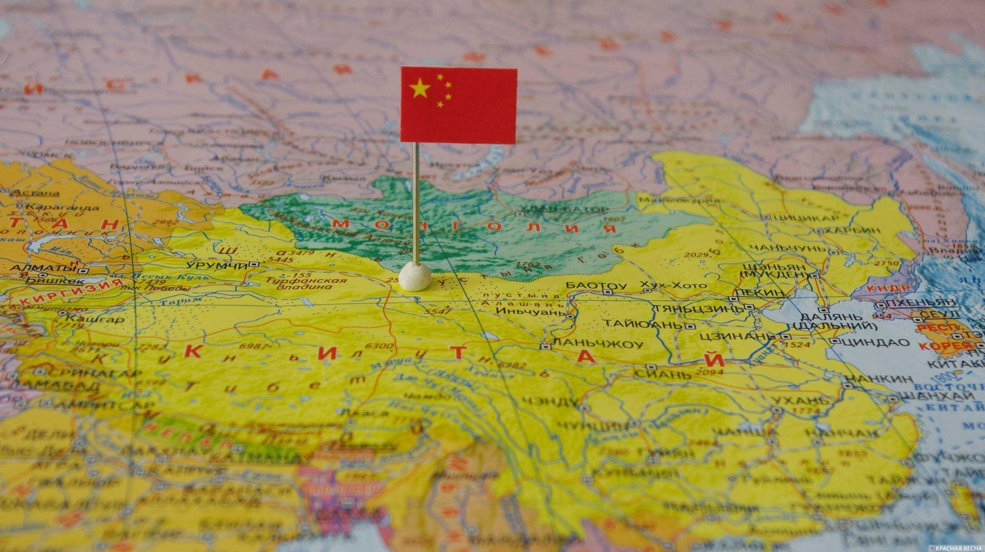 Китай с флагом на карте мира.