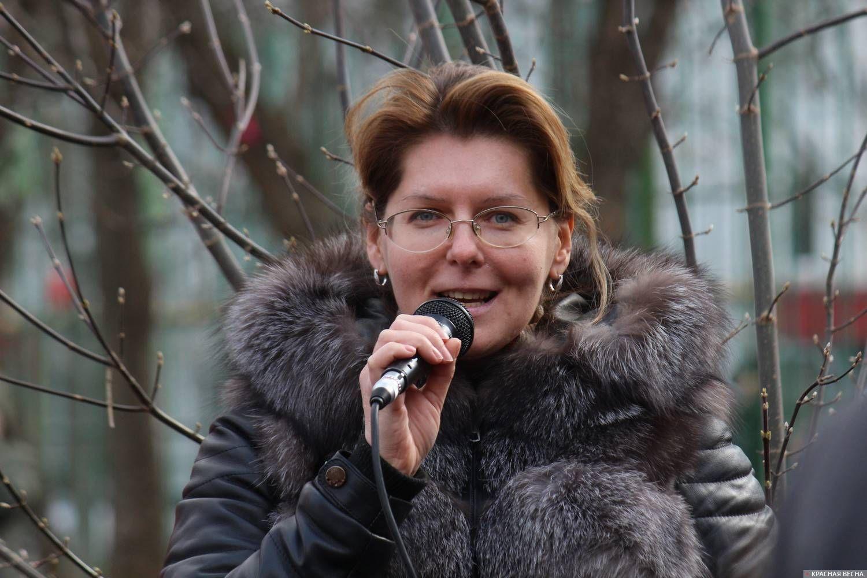 Елена Новикова, муниципальный депутат