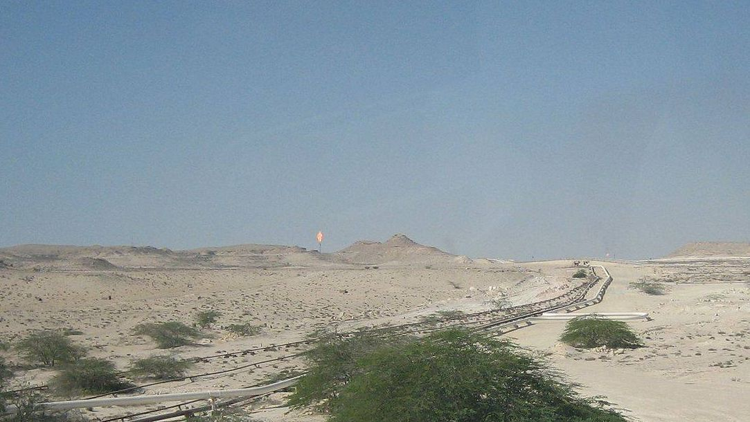 Нефтепровод в пустыне