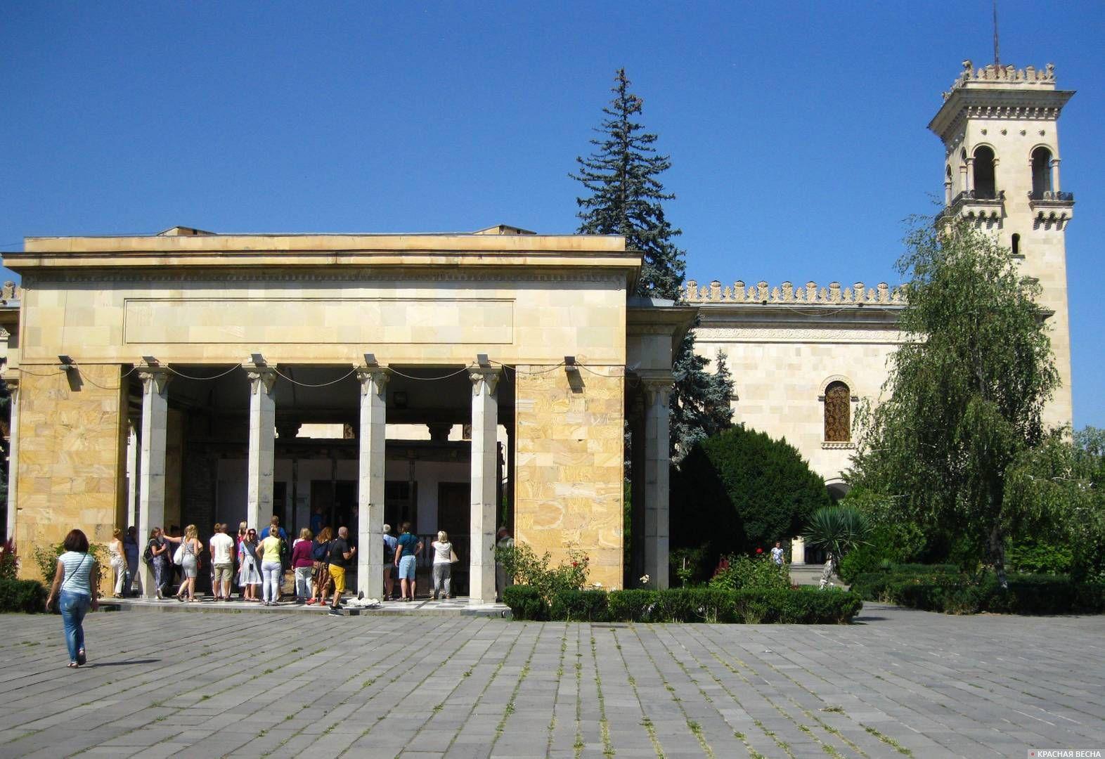 Государственный музей Сталина в Гори