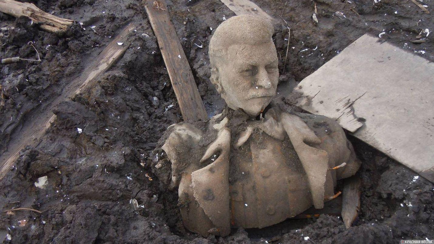 Вода истории: на Урале Сталина подняли со дна