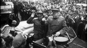 Маршал Конев в Праге в 1945 году
